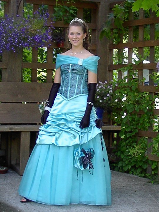 Amy\'s Custom Gowns | Slocan Valley, British Columbia